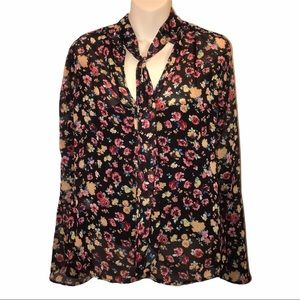 🚬Sweet Floral Print Tie Neck Top by H & C - MD